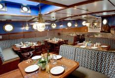 Mare van Fryslan dining room