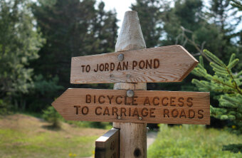Cyclist sign during Maine Acadia National Park Bike Tour